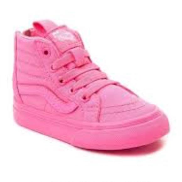 8fc36bd6 All hot pink hi top vans